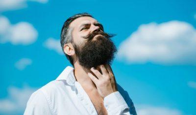 Pellicules de barbe