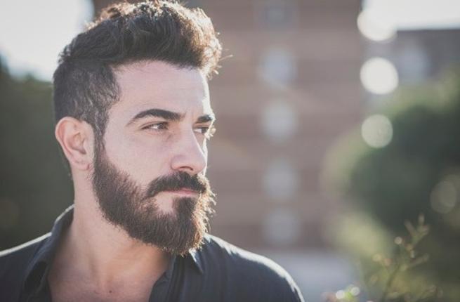 peau sèche sous la barbe
