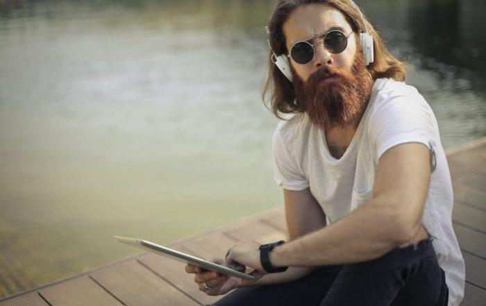 Est-ce que la barbe pousse plus vite en été