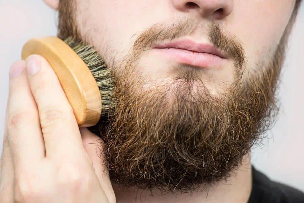 Les 4 bénéfices du brossage de barbe